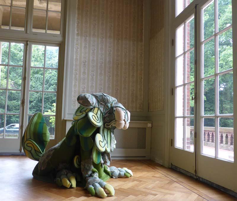 the Guardian at villa Maarheze, Haags talent, 2014, blanket statue