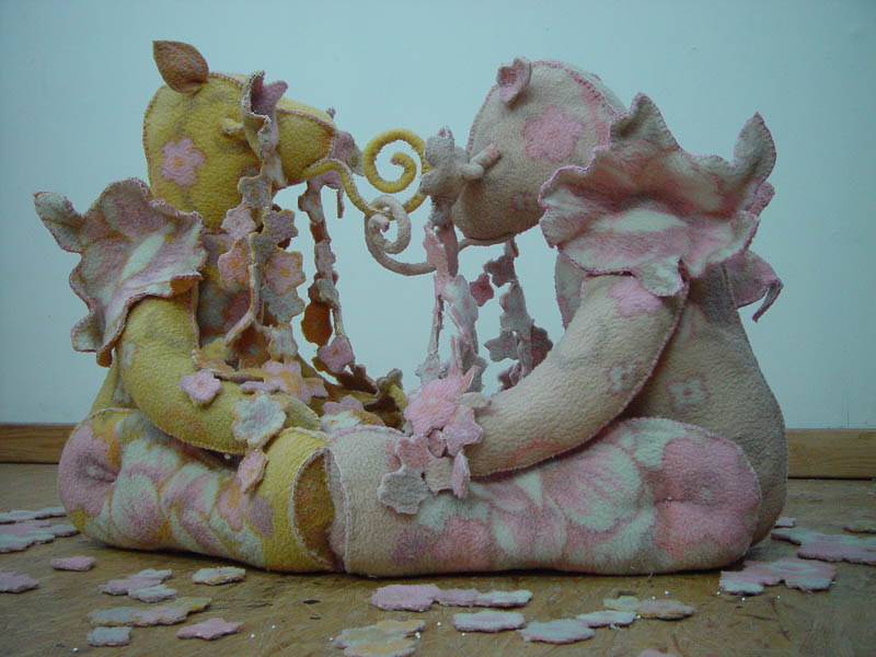 Girlfriends, Teddy bears, blanket statue 2008, 130x160x100 cm.