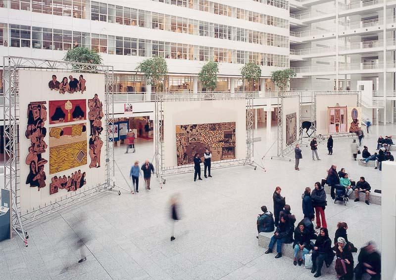 overview exhibition DH binnenstebuiten, Atrium cityhall Den Haag, 2001, photo by Hein van Liepmd
